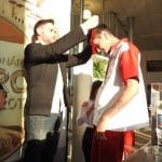 Equipe Nissan recebendo premiação medalha